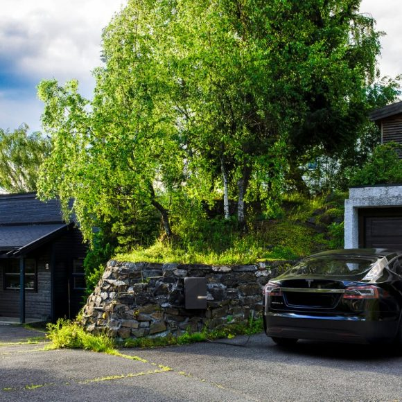 Why Is My Electric Car Not Charging? 3 Quick Fixes & the 7 Top Problems